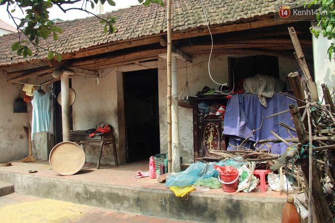 """Xót xa cụ bà 75 tuổi nuôi cả gia đình bị tâm thần và thiểu năng trí tuệ ở Vĩnh Phúc: """"Tôi khuất núi không biết các cháu sẽ ra sao"""" - ảnh 2"""
