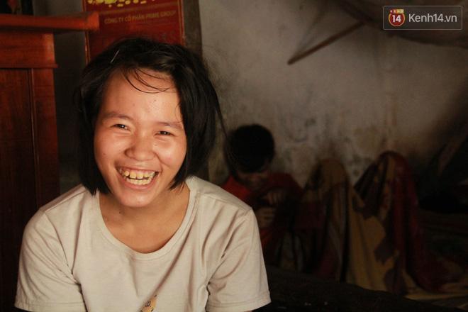 """Xót xa cụ bà 75 tuổi nuôi cả gia đình bị tâm thần và thiểu năng trí tuệ ở Vĩnh Phúc: """"Tôi khuất núi không biết các cháu sẽ ra sao"""" - ảnh 9"""