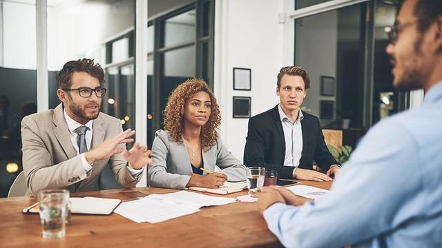 Trưởng ban pháp chế của Lyft cảnh báo, đây là sai lầm số một khi phỏng vấn mà các bạn trẻ luôn mắc phải: Tránh được nó cơ hội được tuyển dụng sẽ tăng lên đáng kể! - ảnh 1
