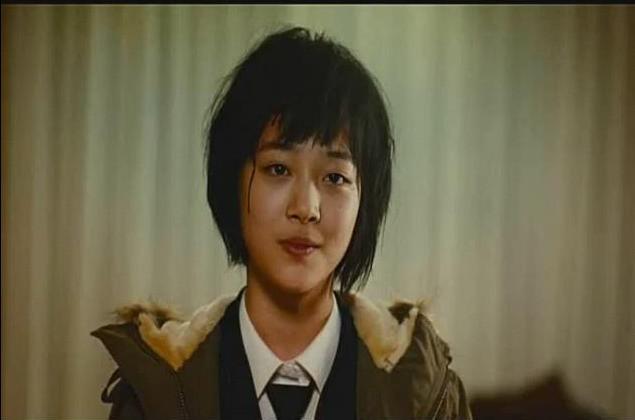 Chặng đường 14 năm diễn xuất của Sulli: Cục cưng được SM o bế hết mực nhưng vẫn bị netizen ném đá không tiếc lời - Ảnh 4.