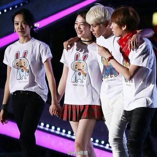Hình ảnh Sulli và Jonghyun đứng cạnh nhau khiến fan rưng rưng nước mắt: Không bao giờ chúng ta được nhìn thấy những nụ cười thiên thần này nữa - Ảnh 4.