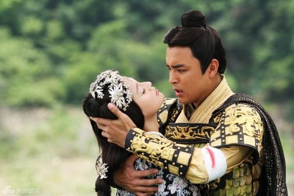 5 màn tự tử trên phim khiến khán giả khóc hết nước mắt: Tiêu Chiến oan ức tức tưởi, Tần Lam nhảy lầu ở Tử Cấm Thành - ảnh 15