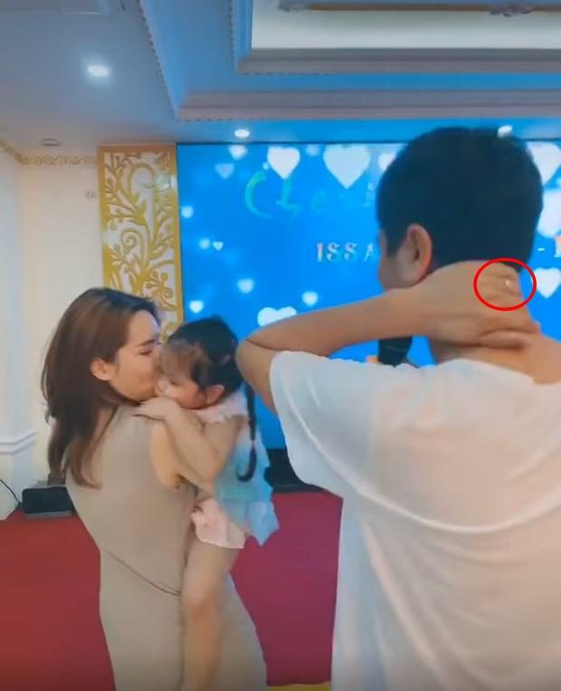 Hình ảnh đầu tiên của Lưu Hương Giang sau hơn 10 ngày vướng ồn ào ly hôn Hồ Hoài Anh - ảnh 2