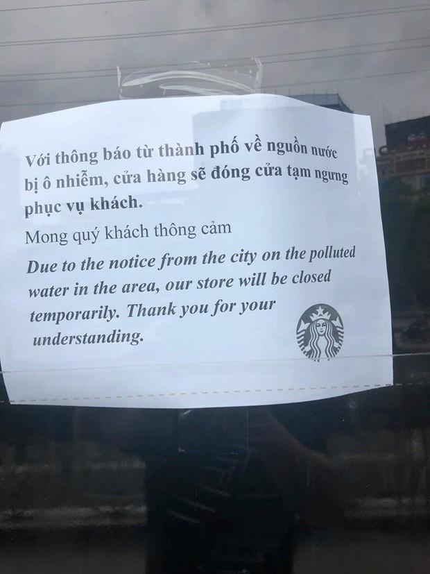 8/18 cửa hàng Starbucks ở Hà Nội đóng cửa vì ô nhiễm nguồn nước - ảnh 1