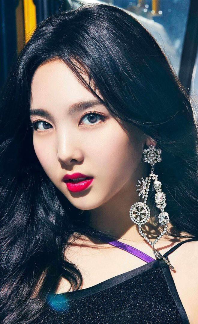Tranh cãi top 30 nữ idol hot nhất tháng 10: BLACKPINK tụt hạng thê thảm, dẫn đầu là cái tên không ai ngờ tới - ảnh 5