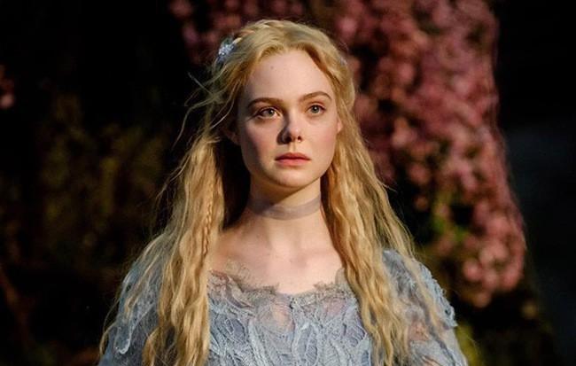 Bỏng mắt trước đại chiến nhan sắc của Maleficent: Hai bà sui chanh sả át cả con gái, anh quạ đẹp không thua hoàng tử - Ảnh 20.