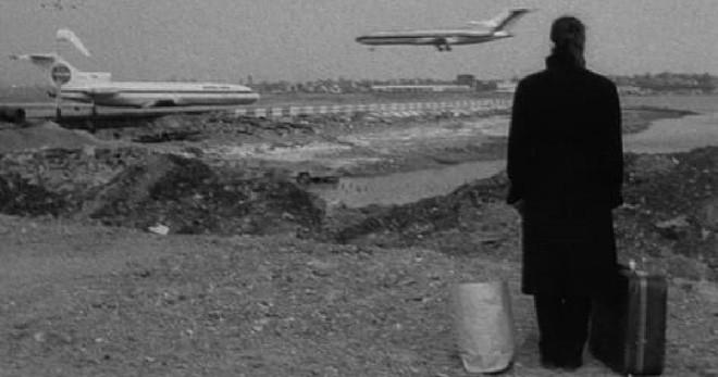 'Quý ông Taured': Du khách bí ẩn sống ở quốc gia không có thật và thuyết âm mưu xuyên không từ thế giới song song - ảnh 2
