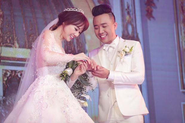 Loạt quy định trong đám cưới sao Vbiz: Đông Nhi quy định gắt gao về khách vào tiệc, Cường Đô La làm dấy lên tranh cãi - ảnh 9