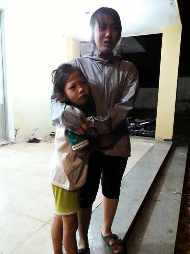 Quặn lòng cảnh 3 đứa con khóc ngất bên thi thể người mẹ sau tai nạn giao thông ở Đồng Nai - ảnh 3