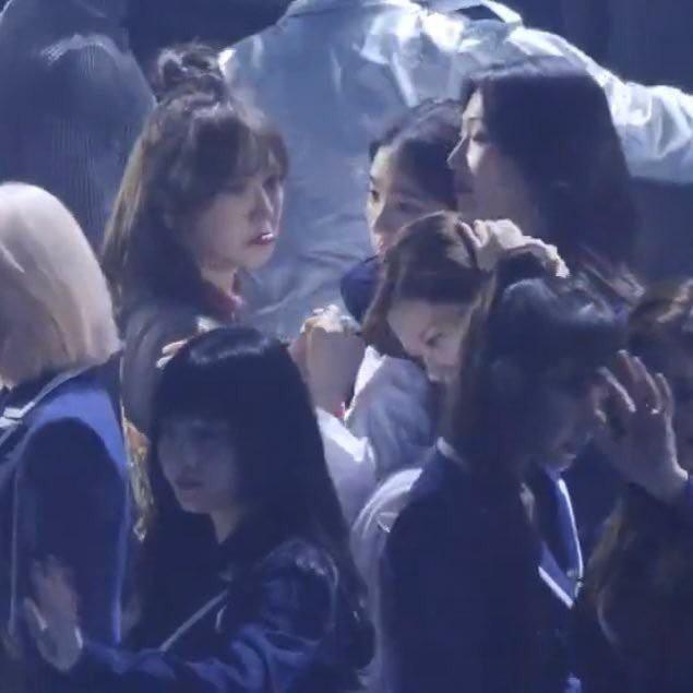 Khoảnh khắc như ngôn tình giữa V (BTS) và Wendy (Red Velvet) bỗng hot trở lại, ai ngờ cái kết không thể lãng xẹt hơn - ảnh 3