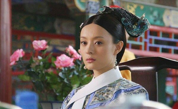 Cung đấu Hoàng gia Thái Lan đã là gì so với 6 phim này: Ngô Cẩn Ngôn hô mưa gọi gió, Ha Ji Won chẳng sợ trời cao đất dày - Ảnh 2.