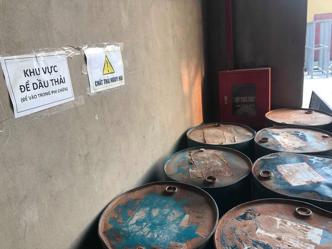 Cận cảnh nơi lưu giữ dầu thải bị tuồn ra đầu độc nước sông Đà của Công ty gốm sứ Thanh Hà - ảnh 7