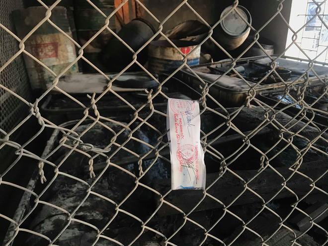 Cận cảnh nơi lưu giữ dầu thải bị tuồn ra đầu độc nước sông Đà của Công ty gốm sứ Thanh Hà - ảnh 11