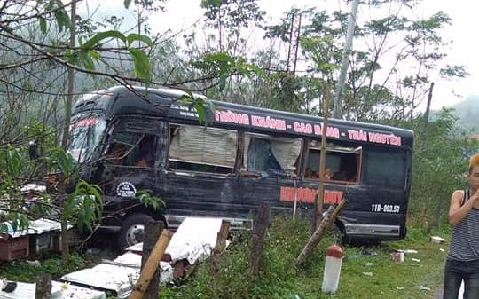 Bắc Kạn: Xe khách va chạm kinh hoàng với xe tải, nhiều người may mắn thoát nạn