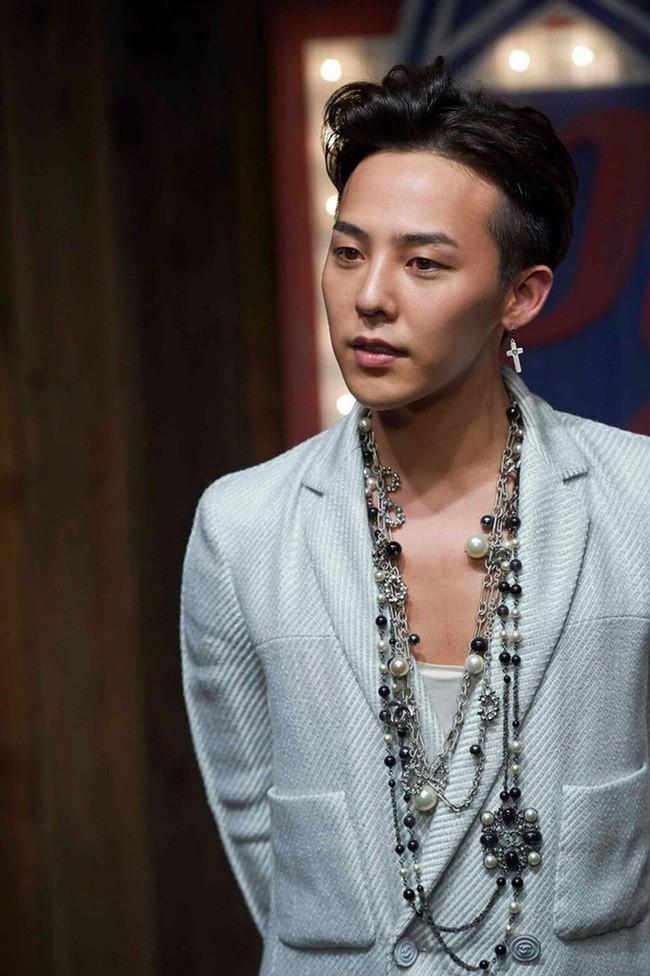 Những mỹ nam khiến dân tình đổ gục khi đeo vòng ngọc trai: Từ idol đẹp nhất thế giới đến Sơn Tùng đều góp mặt - ảnh 5