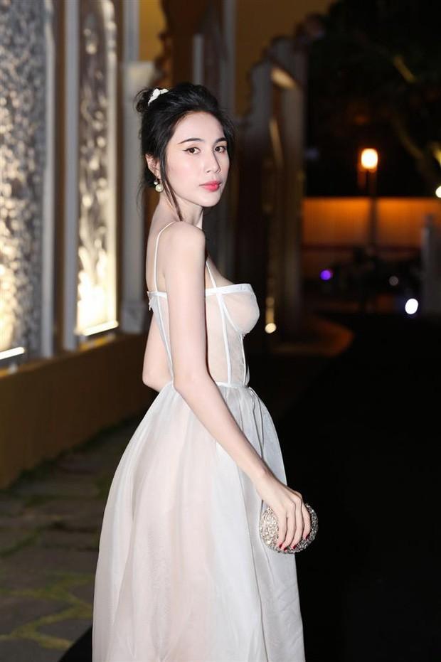Thủy Tiên diện áo tắm thả dáng khoe body nuột nà nhưng vẫn bị netizen nhắc nhở vì một điều - ảnh 2
