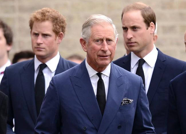 Phản ứng của gia đình Hoàng gia Anh trước màn than khóc kể khổ của vợ chồng Meghan Markle: Người tìm cách hắt hủi, người nổi trận lôi đình - ảnh 2