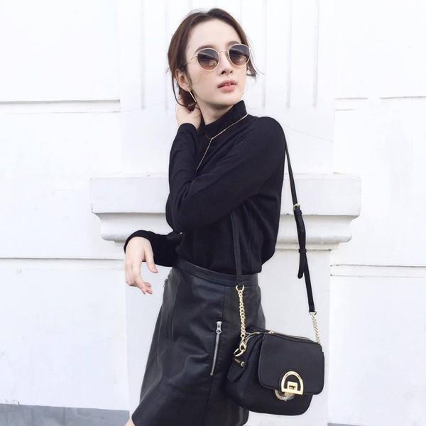 Những lần diện đồ all black của các người đẹp Việt - Hàn: Từ thần thái, nhan sắc đến mix đồ đều đẹp xuất sắc - ảnh 11