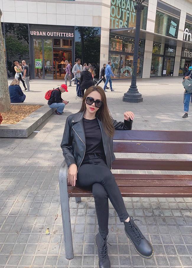 Những lần diện đồ all black của các người đẹp Việt - Hàn: Từ thần thái, nhan sắc đến mix đồ đều đẹp xuất sắc - ảnh 6