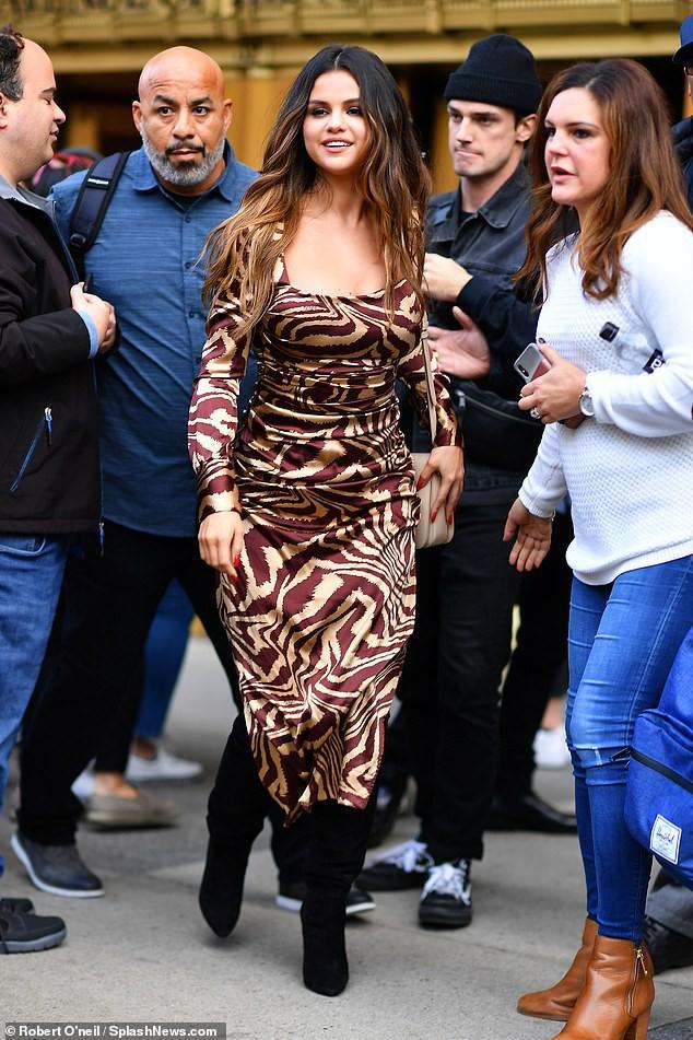 Quý cô độc thân đắt giá Selena Gomez gây náo loạn New York với 4 hình ảnh quyến rũ ngút ngàn chỉ trong 1 ngày - Ảnh 10.