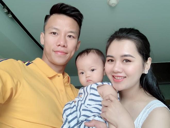 Xúc động trước bức tâm thư Quế Ngọc Hải gửi riêng cho con gái trước ngày lên đường tập trung cho World Cup cùng tuyển Việt Nam - ảnh 3