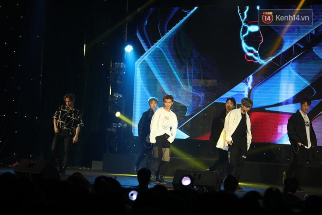 D1Verse cùng fan khóc ngập sân khấu khi đội hình 5 thành viên chính thức được công bố - ảnh 4