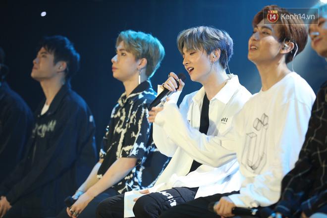 D1Verse cùng fan khóc ngập sân khấu khi đội hình 5 thành viên chính thức được công bố - ảnh 5