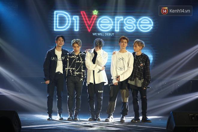 D1Verse cùng fan khóc ngập sân khấu khi đội hình 5 thành viên chính thức được công bố - ảnh 1
