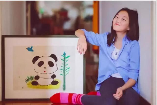 Tranh vẽ năm 7 tuổi của con gái thiên hậu Vương Phi gây sốt khi bán được giá 3 tỷ, tài năng hội hoạ bộc lộ từ bé - ảnh 2