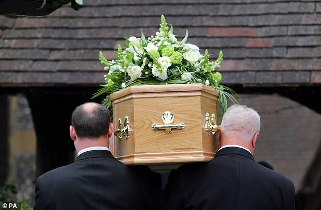 Còn chưa nguôi ngoai nỗi buồn sau đám tang, 13 người tham dự phải nhập viện vì ăn nhầm bánh chứa cần sa - ảnh 2