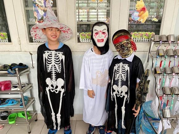 Sao Vbiz hoá trang độc đáo nhập hội Halloween, kéo đến dàn nhóc tỳ mới thích mắt vì như lạc vào thế giới phép thuật - ảnh 9