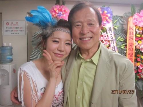 Chuyên gia tộc nhà chủ tịch SM Lee Soo Man: Thái tử ngậm thìa vàng bí ẩn nhất Kbiz và cô cháu gái nổi tiếng khắp châu Á - ảnh 13