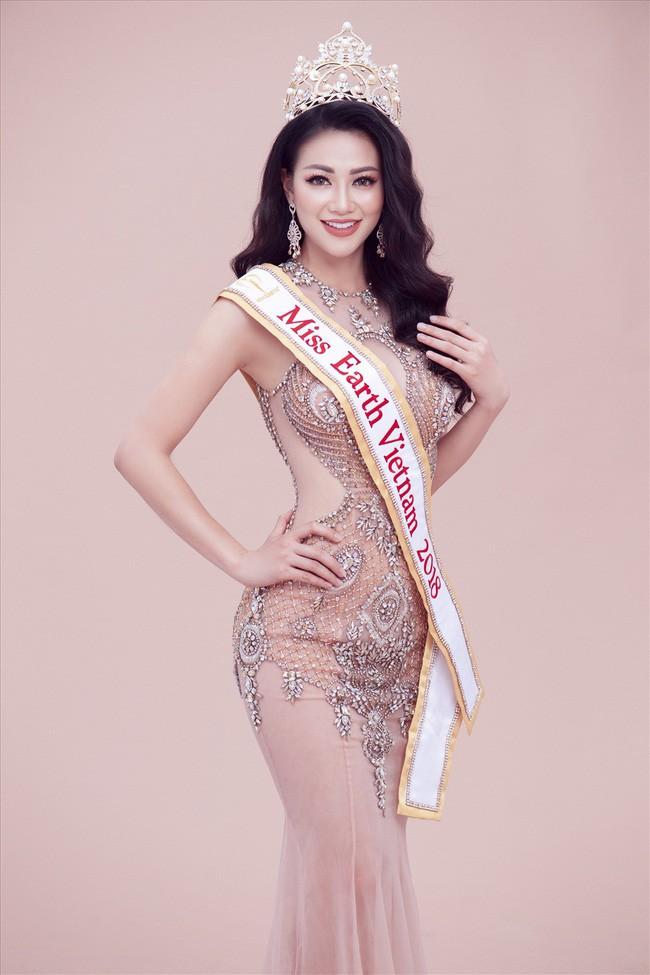 Top những hoa hậu học giỏi bậc nhất thế giới, Việt Nam cũng góp mặt 2 đại diện siêu đỉnh: Người thi ĐH 29.5 điểm, người là du học sinh - Ảnh 18.