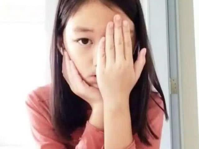 Từng mặc cảm vì đôi môi hở hàm ếch, giờ đây con gái Vương Phi ngày càng tự tin khoe nhan sắc không vừa tuổi 12 - ảnh 1