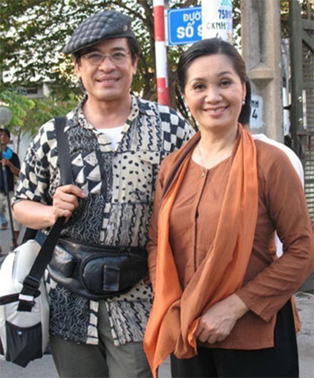 Mặc kệ bị Xuân Hương bóc trần, MC Thanh Bạch hội ngộ dàn sao Vbiz tại Đà Nẵng với thái độ bất ngờ - Ảnh 3.