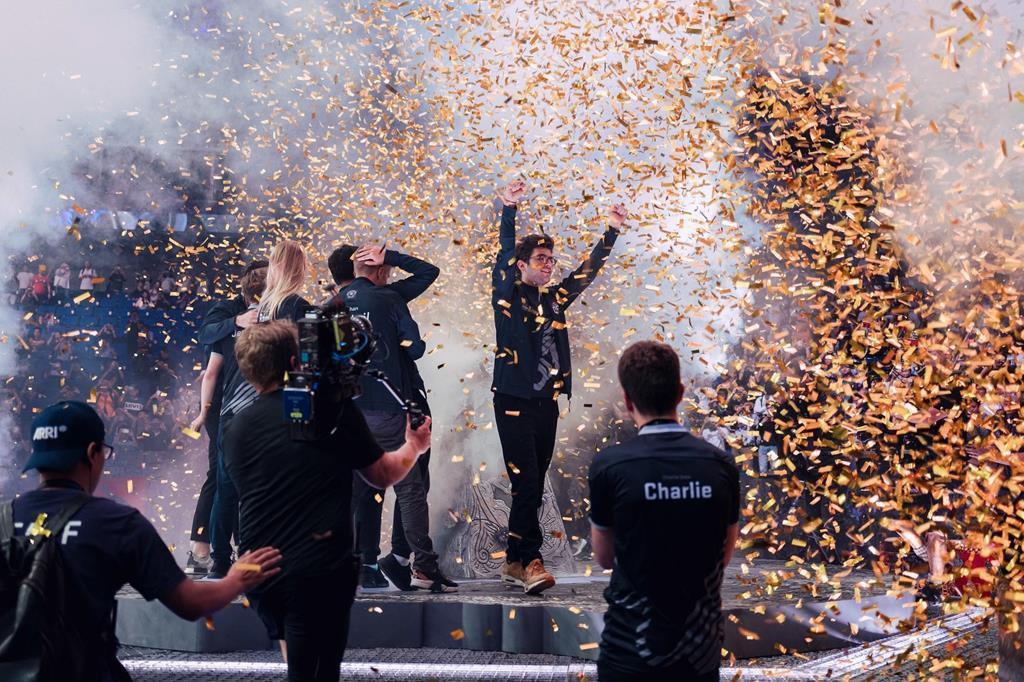Thể thao điện tử lên ngôi, game thủ trở thành nghề hot: Có bằng cấp và thu nhập lên đến hàng nghìn USD - ảnh 4