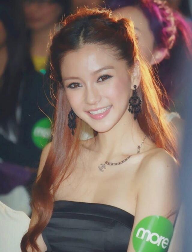 Soi nhan sắc ngày xưa của Angela Baby: Bảo sao khiến Huỳnh Hiểu Minh mê đắm, hứa nâng niu như công chúa cả đời - Ảnh 7.