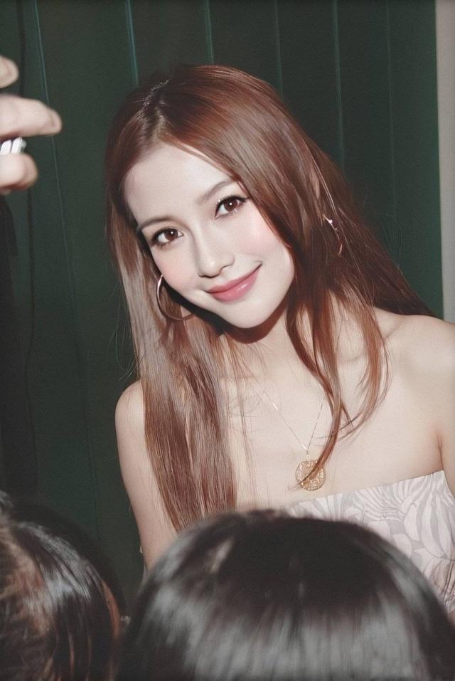 Soi nhan sắc ngày xưa của Angela Baby: Bảo sao khiến Huỳnh Hiểu Minh mê đắm, hứa nâng niu như công chúa cả đời - Ảnh 3.