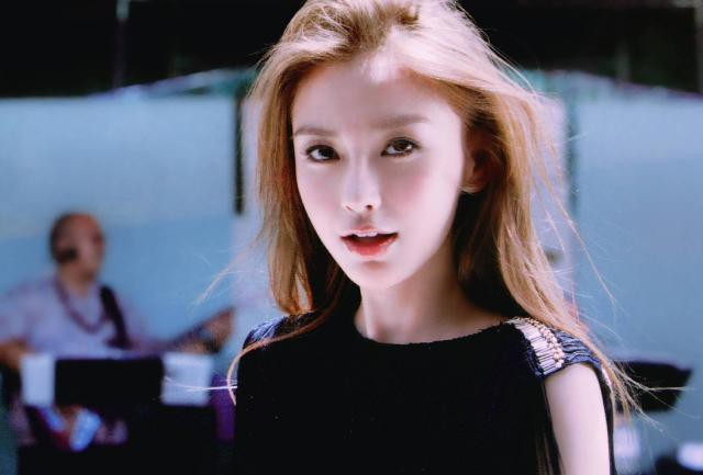 Soi nhan sắc ngày xưa của Angela Baby: Bảo sao khiến Huỳnh Hiểu Minh mê đắm, hứa nâng niu như công chúa cả đời - ảnh 5