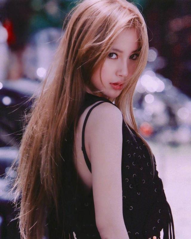 Soi nhan sắc ngày xưa của Angela Baby: Bảo sao khiến Huỳnh Hiểu Minh mê đắm, hứa nâng niu như công chúa cả đời - Ảnh 5.