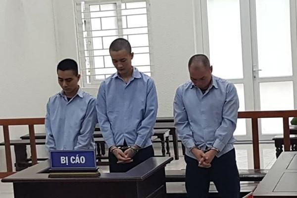 Hai bé gái 15 tuổi bị giam lỏng để mua vui cho đàn ông ở Hà Nội - Ảnh 1.