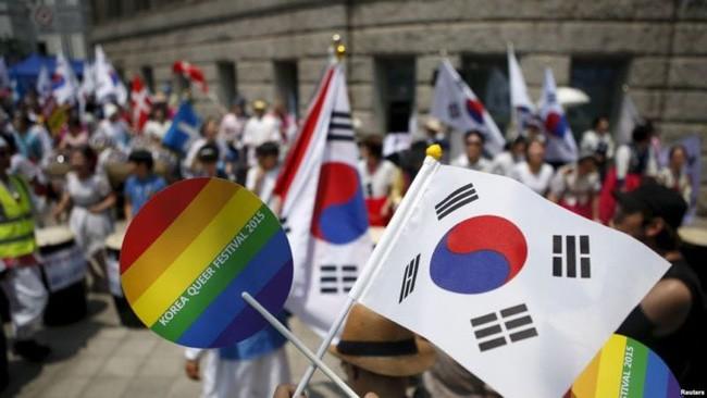 Nỗi khổ của cộng đồng LGBT ở Hàn Quốc: Bị xem như dân thứ cấp, không dám sống đúng với giới tính vì đâu đâu cũng kỳ thị - ảnh 3