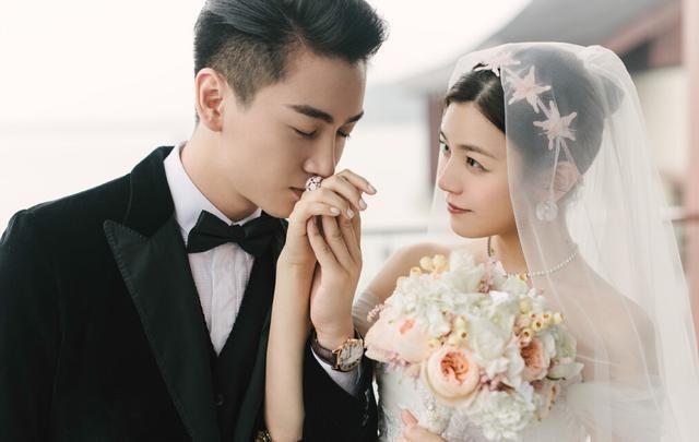 """6 cặp đôi """"phim giả tình thật"""" chấn động Cbiz: Ngô Thiến học đàn chị Triệu Lệ Dĩnh, có bầu vẫn chưa chịu công khai? - Ảnh 12."""