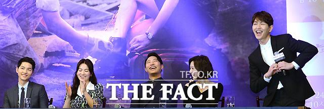 Điểm khác một trời một vực giữa diễn viên và idol Kpop: Ánh mắt đến fan-service, Song Song còn phải thua mỹ nam SHINee! - Ảnh 16.