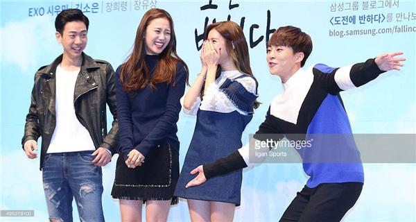 Điểm khác một trời một vực giữa diễn viên và idol Kpop: Ánh mắt đến fan-service, Song Song còn phải thua mỹ nam SHINee! - Ảnh 13.