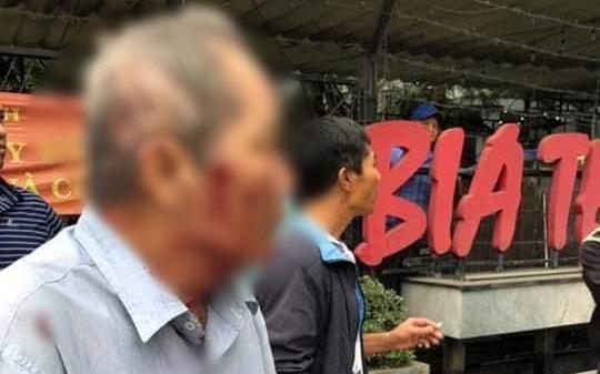 """Hà Nội: Cụ ông 80 tuổi bị người đàn ông chạy xe ôm hành hung vì """"tranh giành địa bàn"""""""