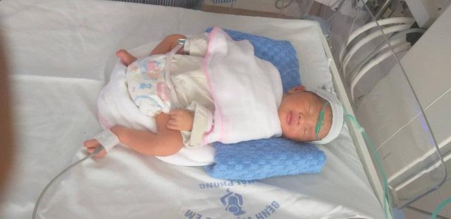 Hải Phòng: Bà mẹ 4 con nguy kịch vì tai nạn giao thông, thai nhi phải chào đời sớm - ảnh 1