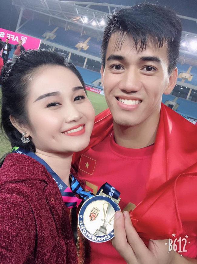 Những điều ít biết về Tiến Linh - cầu thủ chiếm trọn spotlight trận Việt Nam - UEA: Từng mặc cảm vì không biết đá bóng, bạn gái giàu có nhưng hiện đã đường ai nấy đi! - ảnh 8