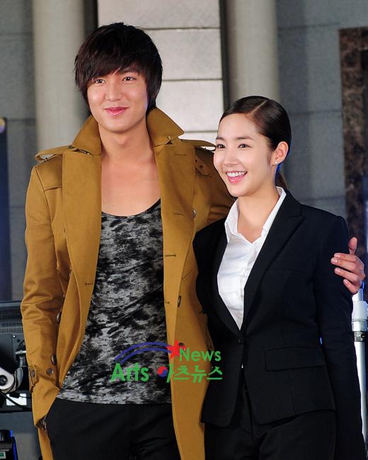Những cặp đôi phim giả tình thật thảm nhất châu Á: Song Hye Kyo bị réo gọi tận 2 lần, nhưng khổ nhất là Châu Du Dân - Ảnh 11.