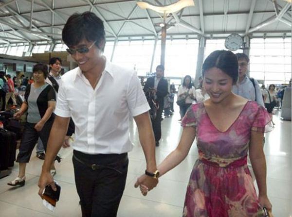 Những cặp đôi phim giả tình thật thảm nhất châu Á: Song Hye Kyo bị réo gọi tận 2 lần, nhưng khổ nhất là Châu Du Dân - Ảnh 2.
